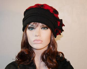 Hat in red and black boiled wool Léa 17