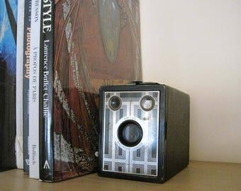 Early vintage 1930s Camera Art Deco Camera Brownie Junior Six-20, Kodak Box Camera, Gift for Man, Photo Prop, Collectible Wedding Decor