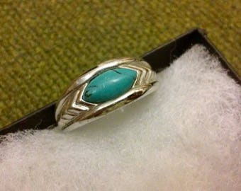 Womans Vintage  ring sterling silver turquoise ring southwest  size 8  sterling ring