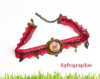The skull and Red lace Choker