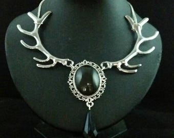 Chain forest Queen