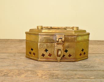 Brass cricket box, brass jewelry box, Ring box, Brass trinket box