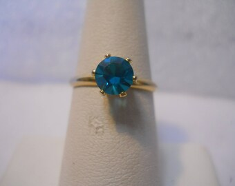 18 kt GP Blue Cubic Zirconia Solitary Ring Size 6.5 #FJW527