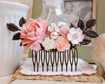 Soft pink rose Country garden hair accessory Bridal hair comb pearl assemblage Pink and white flower comb