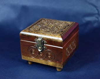 Hand carved wooden jewerly box. RING BOX.