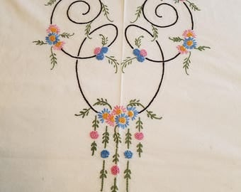 Vintage Handmade Bed or Table Topper #30