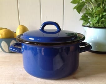 Vintage Enamel Pan with French Blue - Traditional  Design. Circa 1970. Fantastic Kitchenalia