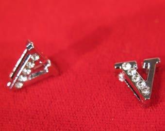"BULK! 30pc ""letter V"" 8mm slide charms in antique style silver (BC1375-V)"