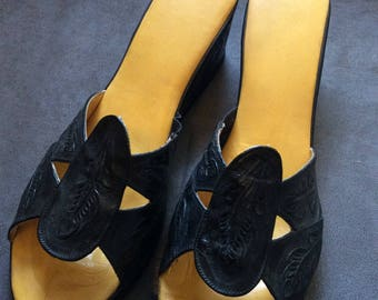 Vintage Mexican Tooled Leather Shoes - 9