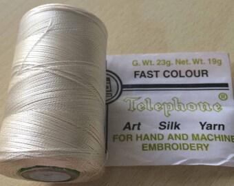 Rayon thread / artificial silk ecru 132
