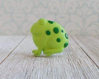 Frog - Green Frog - Toad - Prince - Princess - Kiss - Lapel Pin