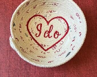 "Small ""I do"" ring basket"