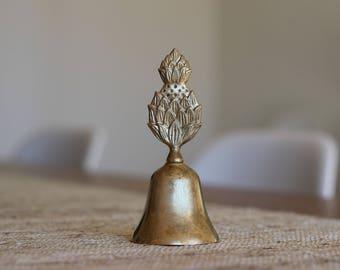 Vintage Brass Pineapple Desk Bell / Charleston Decor / Brass Pineapple Dinner Bell  / Hollywood Regency / Charleston Bell / Southern Bell