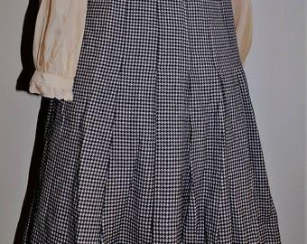 Vintage Celine Wool Pleated Skirt 42 (EU) Size 6 ( US)