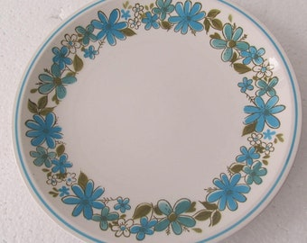 """Mikasa Cera Stone Di575 """"GIGI"""" Collectible Blue Flowers Coupe Dinner Plate, Made In Japan"""
