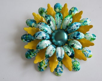 "Very ""Hip"" Flower Power Metal Tie Dyed Dimensional Brooch Pin"