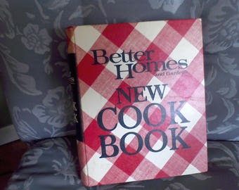 Better Homes and Gardens, New Cook Book 1972, fifth printing, vintage cookbooks,
