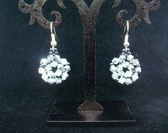earrings with crystalы