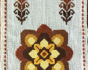 Handmade embroidered table runner in cross stitch with flowers on thick linen from Sweden 1970s.