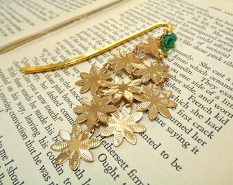 Gold Flower Bookmark, Gold Bookmark, Metal Bookmark, Green Beaded Bookmark, Garden Bookmark, Student Gift,Teachers Gift,Readers,Gift for Her
