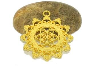 Mandala pendant round 30mm color gold