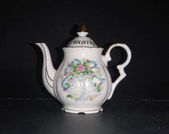 Lefton  Anniversary Teapot, Collectible porcelain, Ribbons and bows,