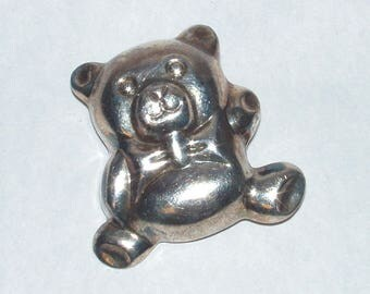Vintage 925 Sterling Chubby Waving Teddy Bear Brooch / Pin 7 grams