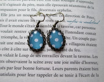 Earrings cabochon blue with polka dots