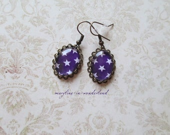 Earrings cabochon violet stars