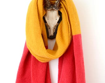 Luxurious Knitted Shetland Wool Two Tone Knitted Scarf