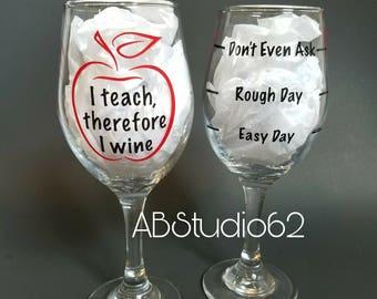 Teacher Wine Glass, Gifts for Teachers, Teacher Gift ideas, Teacher Appreciation Gift, Teacher Glass, Teacher Grad Gift, Teacher Wine Gift