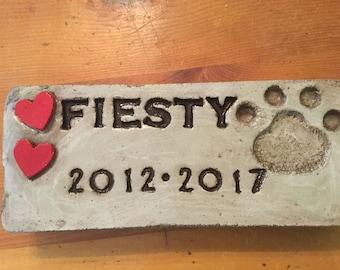 10 1/2 x 4  1/2 garden stone/pet memorial/pet marker  with hearts