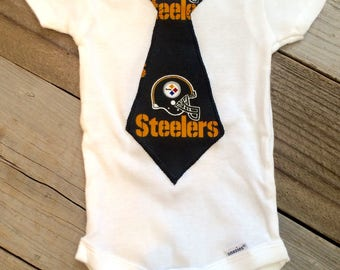 Steelers baby boy bodysuit, steelers boy outfit, steelers baby gift, steelers boy Onesie, Pittsburgh steelers baby bodysuit