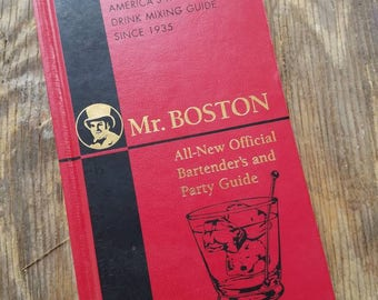 Vintage Mr Boston Official Bartender's And Party Guide. Drink Mixing Guide. Recipe Book Gift