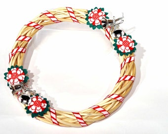 Christmas Wreath / Wicker wreath / Handmade Christmas decorations / Red White and green / Embroidered flower wreath / Felt flower wreath