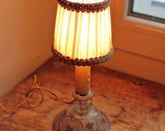 Vintage mid century desk lamp with hand painted glass stand / 1950's small table light lamp