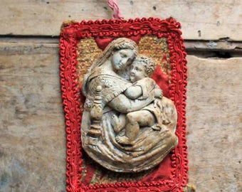 Antique small French Virgin mary and baby Jesus wall hanging /end of 19th century french figure virgin mary  in plaster with fabric back