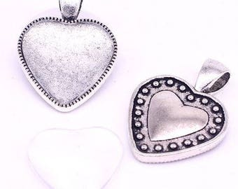 One Antique Silver Effect Heart Pendant Blank Bezel Tray Setting // with Clear Glass Cabochon (20mm) // APB032