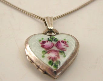 Vintage 1970's enamel Silver Floral Locket Necklace 6.1g