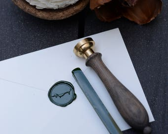 Deep green sealing wax bar