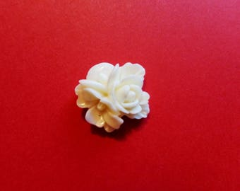 Set of 2 flowers in resin synthetic ivory white color - dimensions: 18 mm