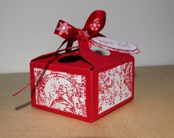 Box square red and white name