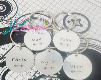Hand Stamped Groomsmen Keychain, Name Keychain, Arrow Keychain, Stamped Silver Jewelry, Stamped Metal Key Ring, Bridal Jewelry, Wedding Gift