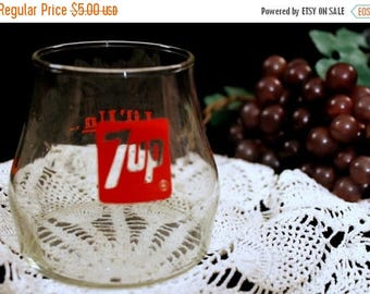Christmas in July Vintage 1970's 7UP collectible- Lil 'Un drinking glass