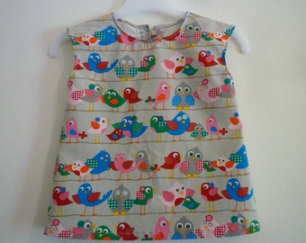 Child's Sleeveless tunic, gray and colorful birds, size 3 years