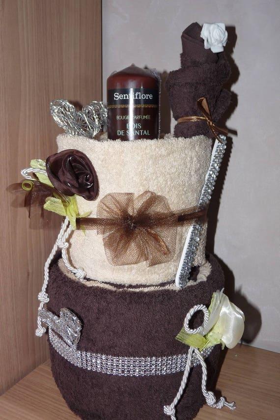 articles similaires g teau de serviettes de toilette cr me chocolat sur etsy. Black Bedroom Furniture Sets. Home Design Ideas