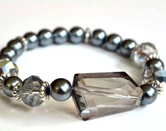 Gray glass Pearl bracelet with smoky geometric cut glass bead