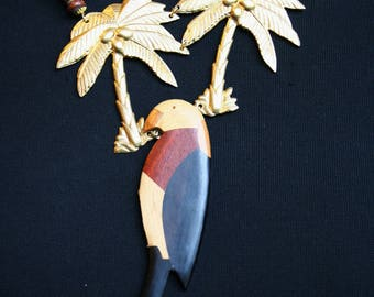 Exotic baroque necklace - the coconut Parrot necklace