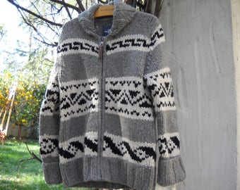 Extra Heavy Navajo style Cowichan cardigan sweater, zip front, Versatile sizing, Medium, made of 50% wool and 45 Polymide, super warm