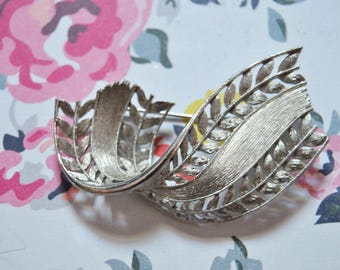 Vintage Silver Brooch Christmas Gifts For Her Simple Retro Brooch Vintage Jewelry Gifts For Her Vintage Anniversary Gifts
